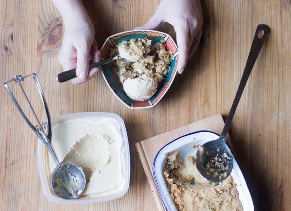 Nutmeg ice cream
